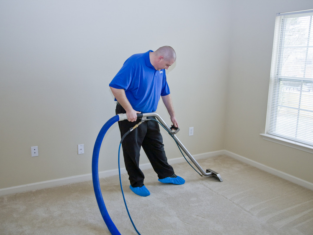 Call Easy Clean Carpet & Janitorial Services